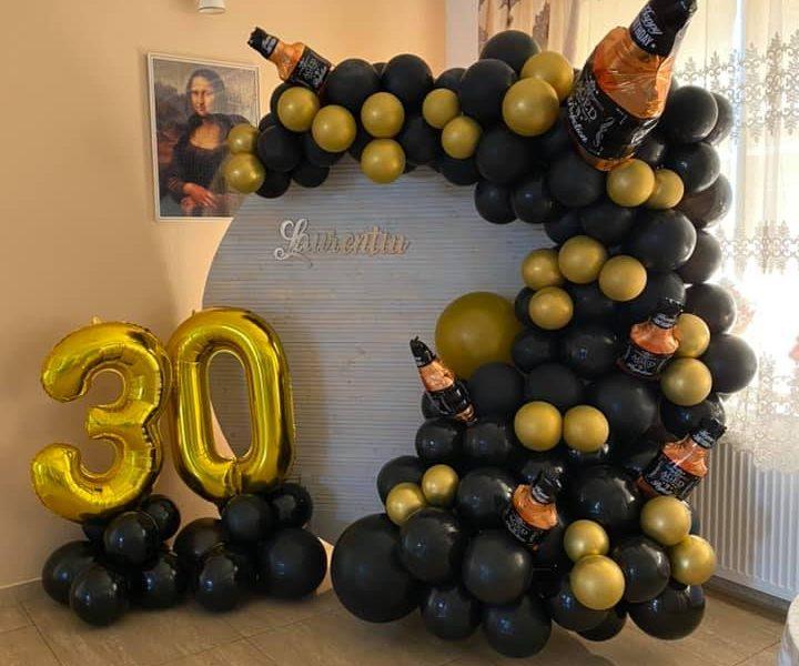 decoratiuni cu baloane aniversare